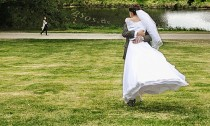 Melyiket válasszam? Esküvői ruha: kölcsönzés vagy vásárlás?