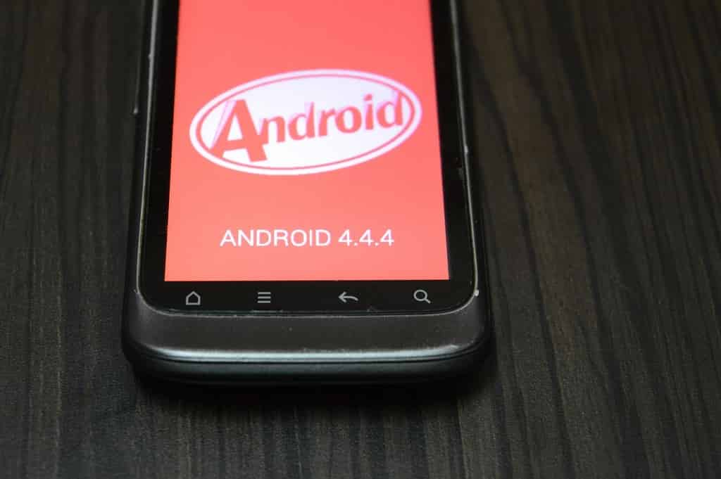 Androidos okostelefon
